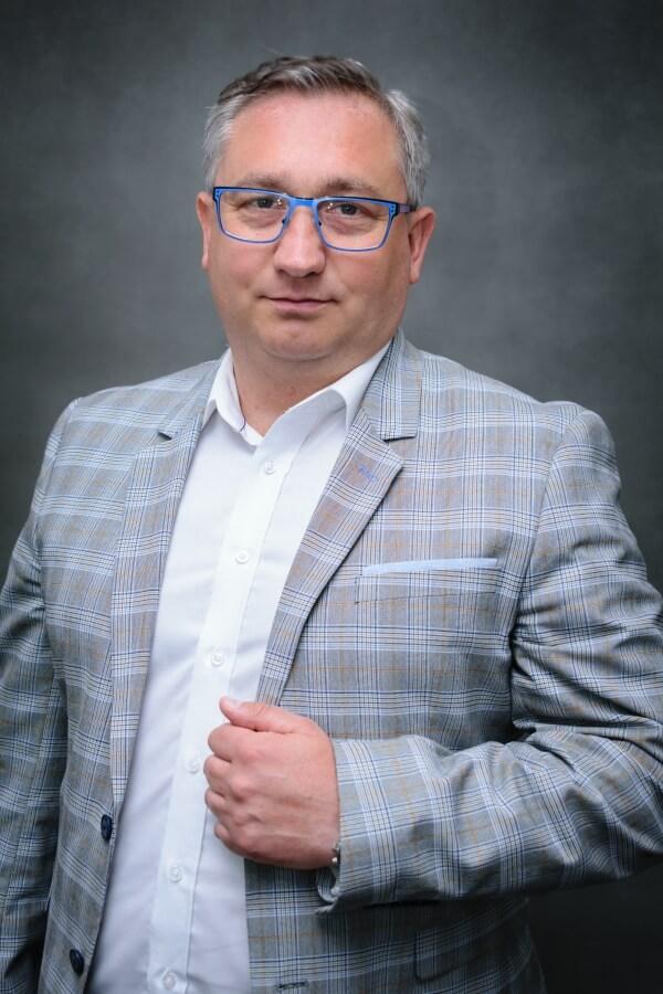 Szkoleniowiec z biura nieruchomości Home Asset Daniel Demko